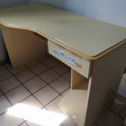 Mesa escrivaninha /computador