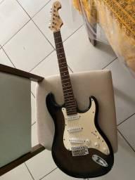 Vende-se guitarra tagima com cabo