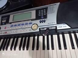 Teclado yamaha prs550 com pendraive ja com varias musicas troco ou parcelo
