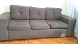 Conjunto de sofás 2 e 3 lugares com puff Suede marrom