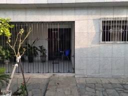 COD C-99 Casa no bairro de Mangabeira 4, 4 quartos bem localizado