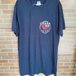 Liquidação de camisetas
