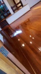 Lixamento de pisos de madeira tabuao e parquet com restauração de madeira em geral
