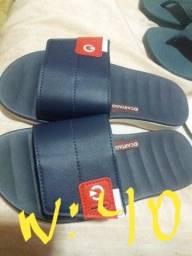 Sandálias novas tudo por R$80