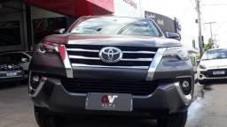 Toyota Hilux SW4 SRX 4x4 2.8 TDI 16V Dies. Aut. 2019/2020