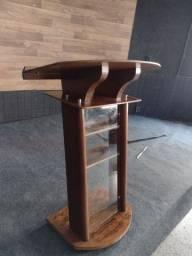 Púlpito de madeira