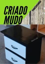 CRIADO MUDO