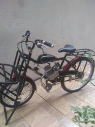 Bicicleta cargueira com motor novo