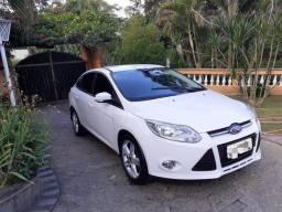 Focus sedan 2014  2.0  único
