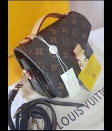 Pochete Louis Vuitton em couro