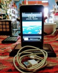iPod touch 8gb com 1090 músicas.
