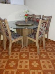 Mesa equitagonal com 6 cadeiras