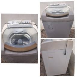 Máquina de lavar com um pequeno defeito.