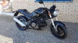 Ducati 695 monster