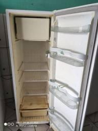 Vendo geladeira palito cônsul 280lts