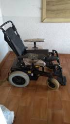 Cadeira de rodas elétrica semi nova