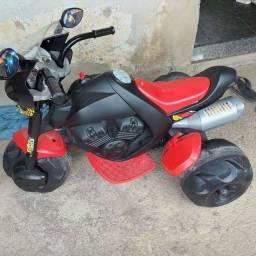 Vendo moto elétrica novinha