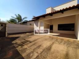 Casa com 3 dormitórios para alugar, 150 m² por R$ 2.070,00/mês - Plano Diretor Norte - Pal