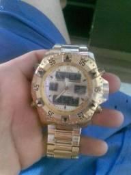 Relógio invicta..