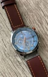 Lindo relógio todo funcional, temosMuito mais, só chamar e enviamos.