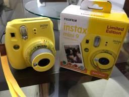 Câmera instantânea Polaroid Fuji Instax Mini 9 Amarela Edição Limitada