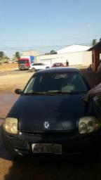 Vendo um Renault clio