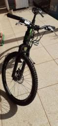 Bicicleta aro 26, quadro 17 e 21v