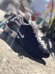 Vendo Nike Shox estado de novo