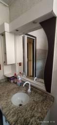 Móvel para banheiro com espelho
