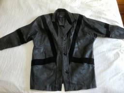 Jaqueta de couro cinza escuro com detalhes em preto (veste G ou GG)
