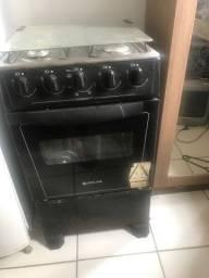 Vendo um fogão , geladeira , é um botijão