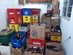 Garrafas de cervejas e refrigerantes