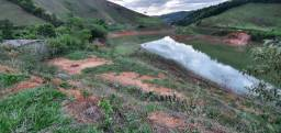 Terreno na beirada da represa