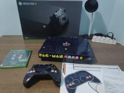 Xbox One X 1TB 4K em perfeito estado + películas + capa antipoeira + mídia Halo lacrada