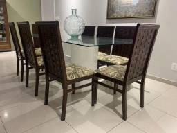 Mesa de Jantar + 8 cadeiras