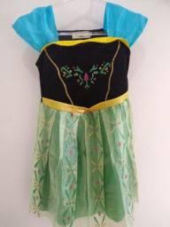 Vestido Anna Frozen com capa. Em perfeito estado!