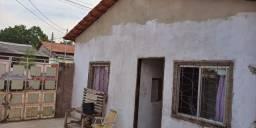 Alugo casa no bairro jardim Santarém