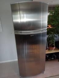 Linda geladeira de inox