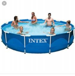 Piscina intex 7 mil litros