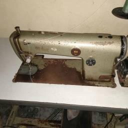 Máquina de costura reta juki