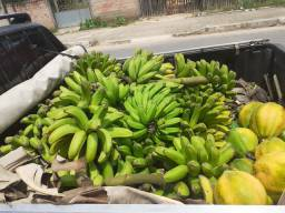 Vendo o cacho da banana