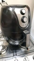 Fritadeira Elétrica Sem Óleo - Air Fryer Britânia Pro Saúde 3,2 L Preta com Timer 127V