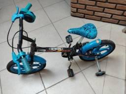 Bicicleta Caloi azul Aro 16 Hot Wheels