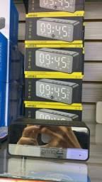 Relógio digital, despertador, rádio e Bluetooth