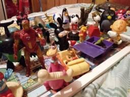 Lote de brinquedos colecionaveis