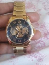 Vendo esse relógio marca ROLEX por 400 reais