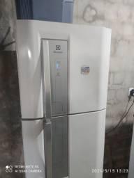 Duas geladeira à venda