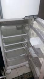 Troco geladeira por celular