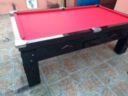 Mesa de mdf resinado e mesa de madeira maciça