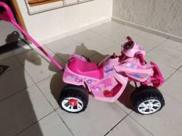 Quadriciclo elétrico Bandeirantes rosa - Barbada